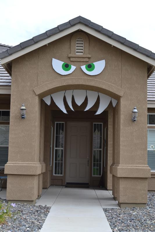 Monster-front-house-decor