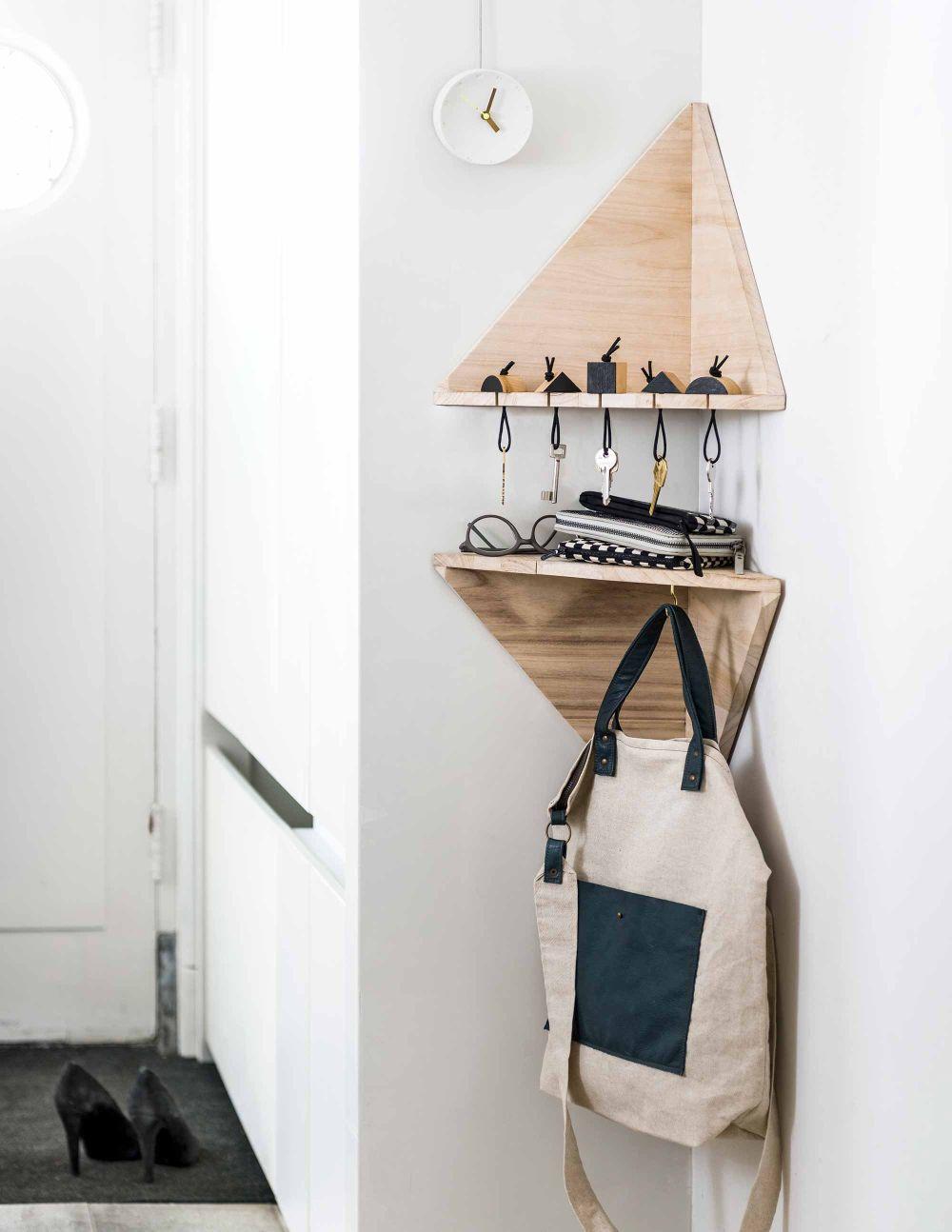 Minimalist-triangle-storage-corner