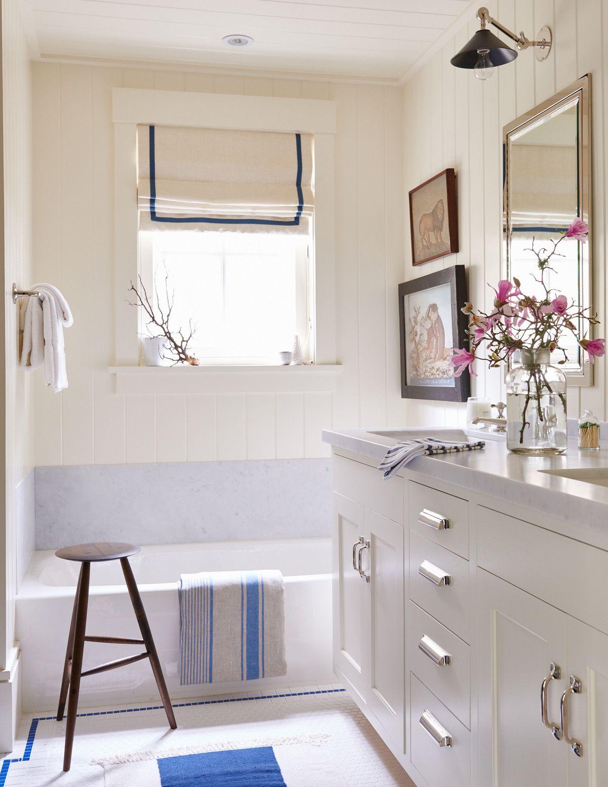 White-bathroom-beadboard-design